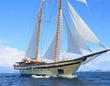 Sewa Kapal Lamima Liveaboard