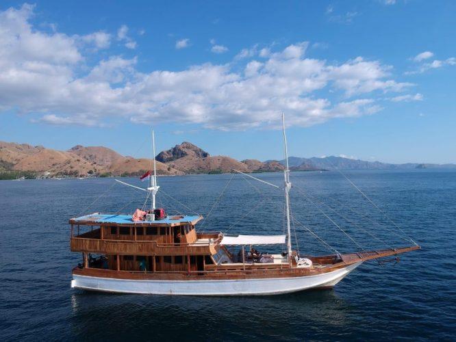 kapal arimbi private trip komodo 002